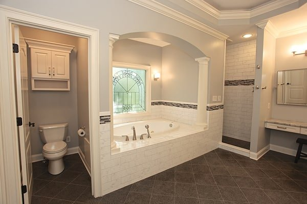 Sacramento, California Bathroom Remodeling 38.5816° N, 121.4944° W